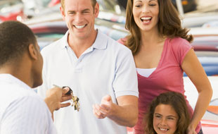 Assicurazione auto: per gli assicurati svizzeri, la qualit� dei servizi conta pi� del costo del premio